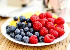 Berries and Other Fruits Protect Against Alzheimer's Disease